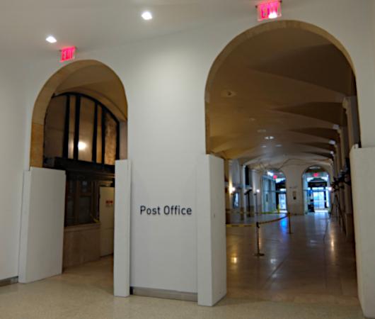 モイニハン・トレイン・ホール内のジェームス・ファーレー郵便局_b0007805_20440425.jpg