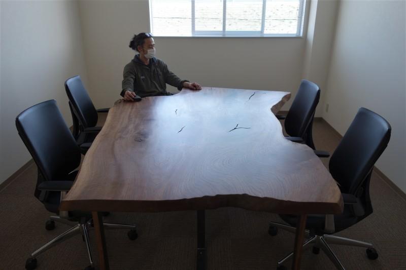 オフィス家具 木のテーブル_e0156341_07415670.jpg