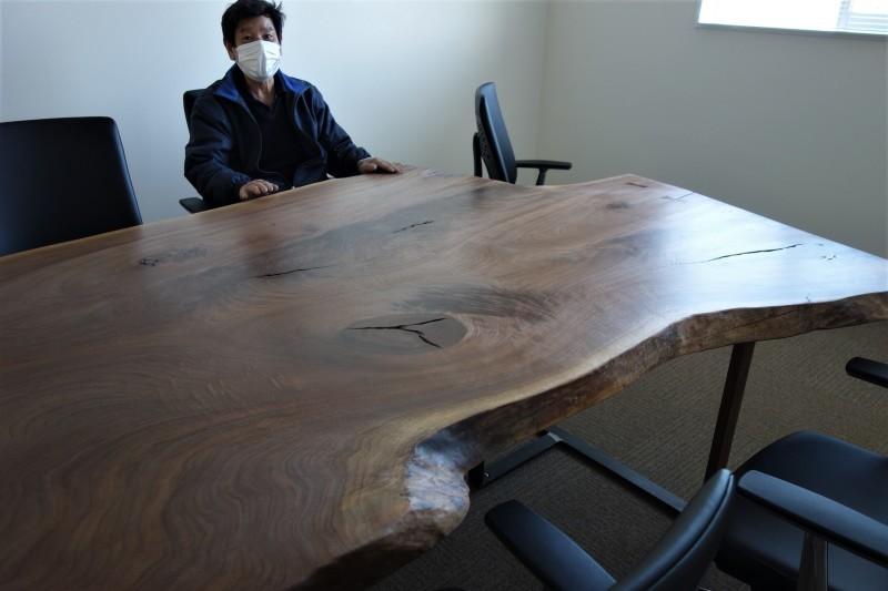オフィス家具 木のテーブル_e0156341_07420607.jpg