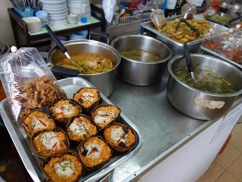 ディンソー通りの菜食惣菜屋アロイにやっと行けた_c0030645_10073467.jpg