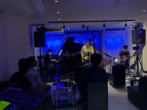 Jazzlive Comin 広島 来週月曜日はカミンジャムセッションです!_b0115606_11325361.jpeg