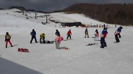 今日スキー特別レッスン開催します。_a0150315_08421143.jpg