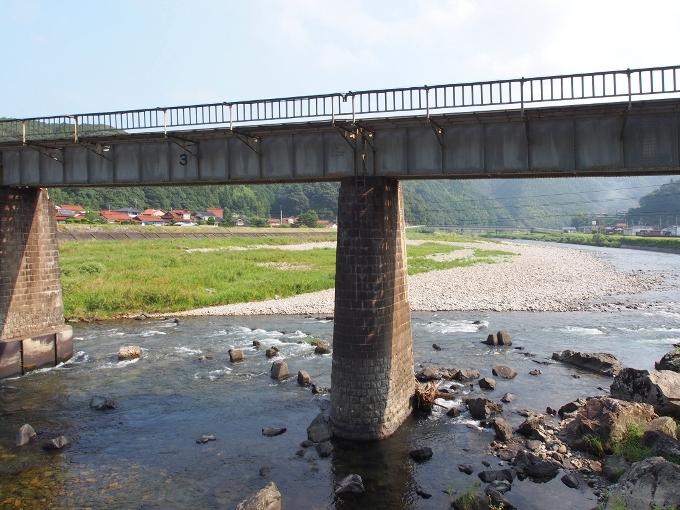 山口線吉賀川橋梁_f0116479_10320087.jpg