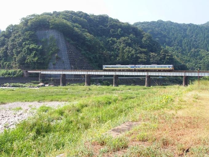 山口線吉賀川橋梁_f0116479_10331686.jpg