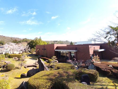 三良坂平和美術館にて『Yoko-Bon\'s World ! 絵本と猫と人形たちと』がはじまりました。_d0077603_12554347.jpg