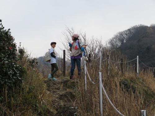 孫と登った角田山灯台コース(^o^)_a0309917_15110527.jpg