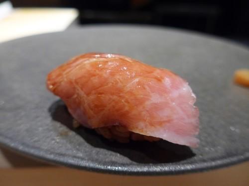 渋谷「熟成鮨 万」へ行く。_f0232060_20433723.jpg