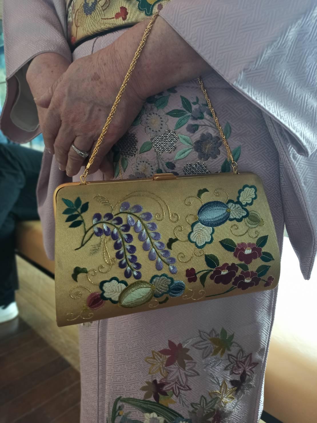 伝えて行きたい日本伝統の美《美知子お義母さんの日本刺繍》_a0157409_07205904.jpeg