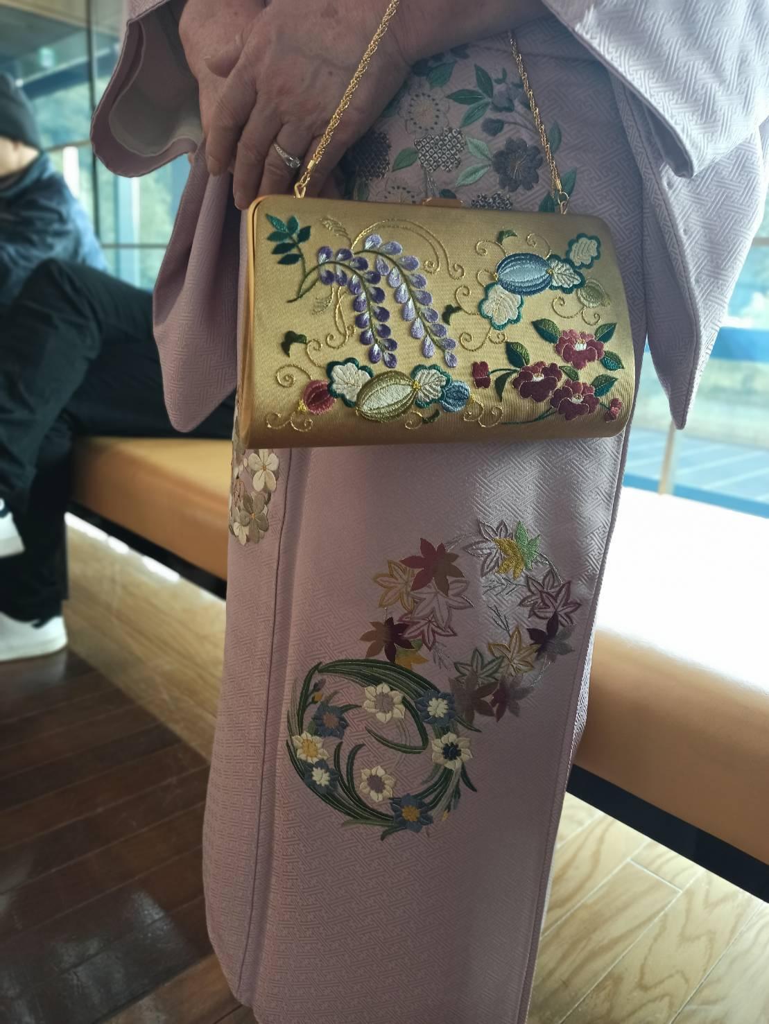 伝えて行きたい日本伝統の美《美知子お義母さんの日本刺繍》_a0157409_07215358.jpeg