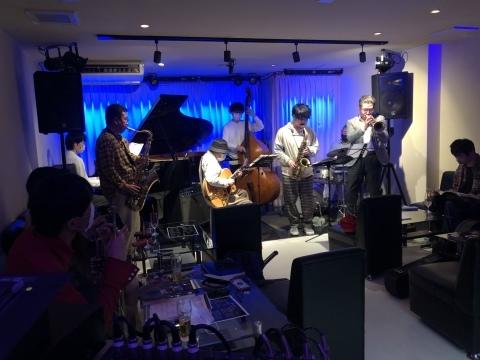 Jazzlive Cominジャズライブカミン  広島 3月30日から4月4日までおやすみします。_b0115606_11033722.jpeg