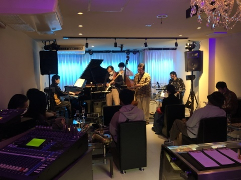 Jazzlive Cominジャズライブカミン  広島 3月30日から4月4日までおやすみします。_b0115606_11035258.jpeg