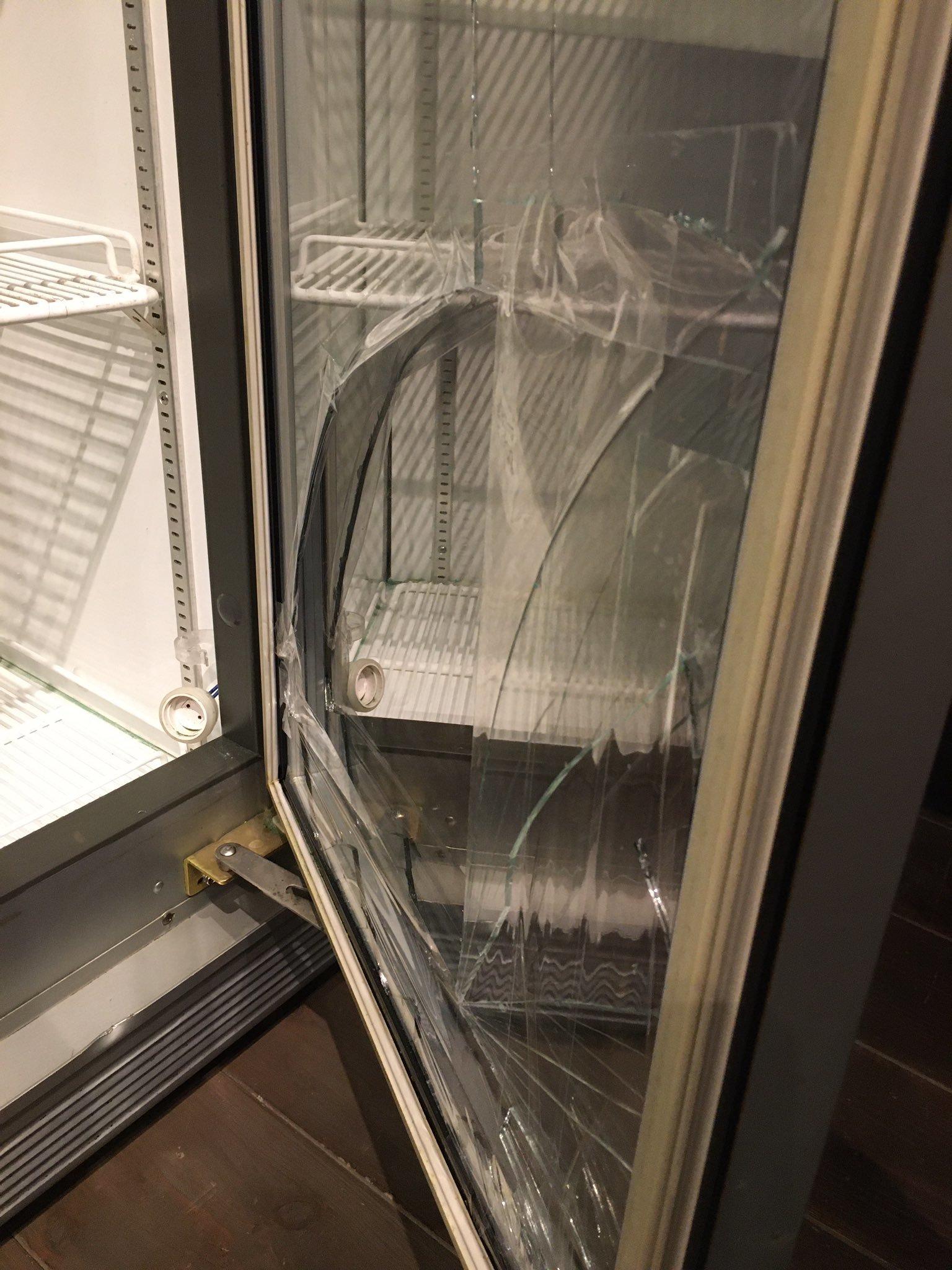 3/30(火)冷蔵庫入れ替えの為、臨時休業してます。_d0367608_16565931.jpg