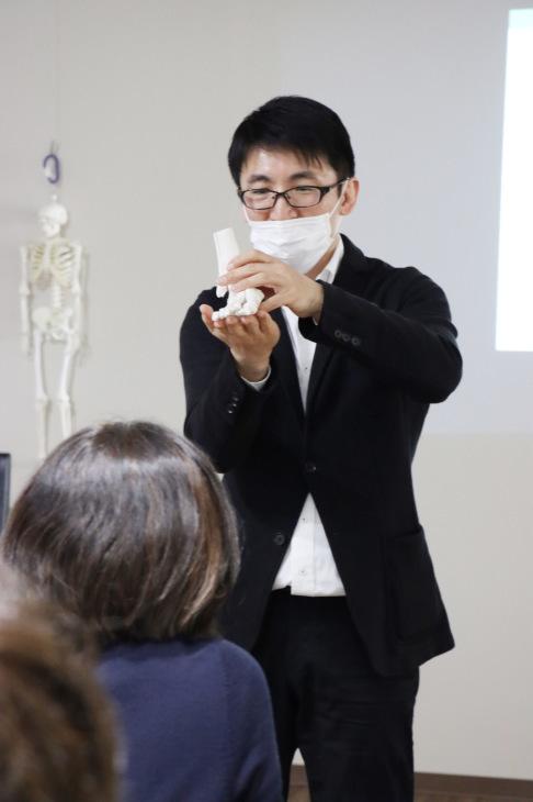 健康セミナー 『膝痛と歩き方の関係について』_a0322418_23223754.jpeg