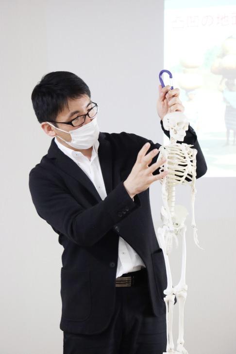 健康セミナー 『膝痛と歩き方の関係について』_a0322418_23235108.jpeg