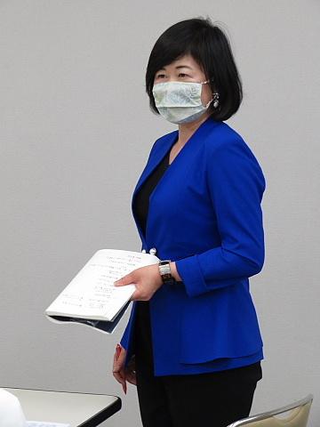 「コミュニケーショングッズ」としてのマスク。_d0046025_22250266.jpg