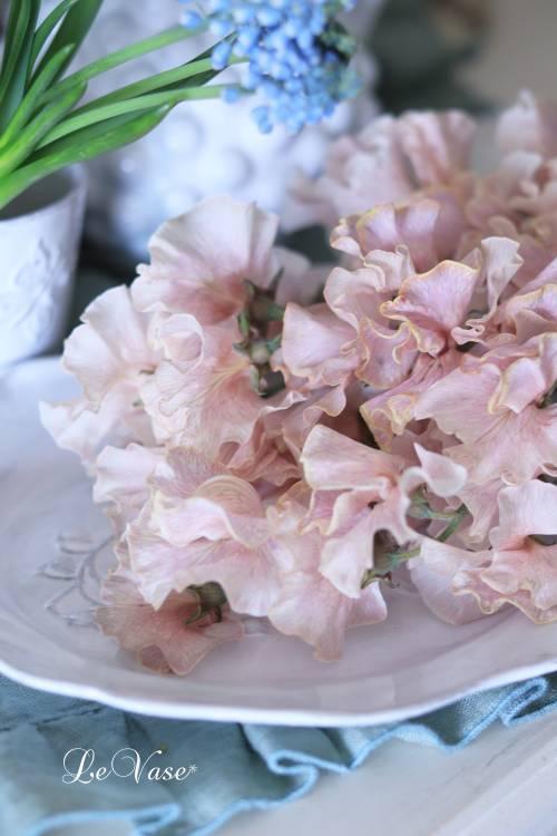 3月Living flower 『Pastel color flower bottle arrangement』_e0158653_09412391.jpg