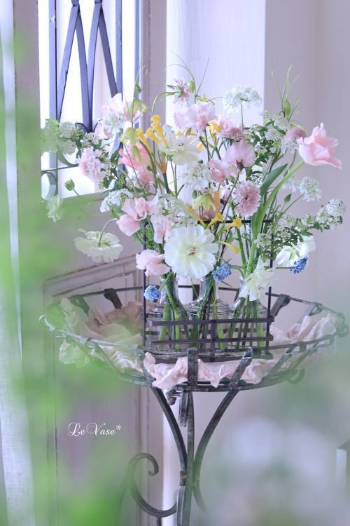 3月Living flower 『Pastel color flower bottle arrangement』_e0158653_09414053.jpg