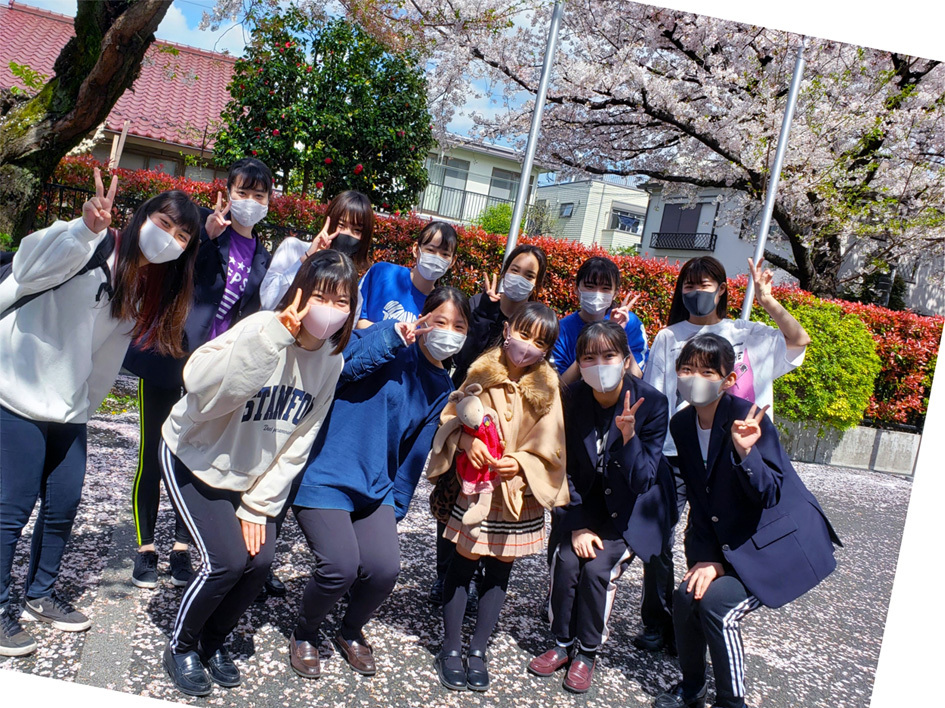 卒業生ちゃん、現役ちゃん、お姉ちゃん達の桜…_d0224894_05115343.jpg