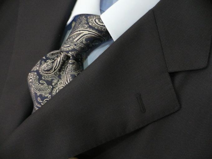 無地に見える紺スーツが欲しい_d0060944_11294937.jpg