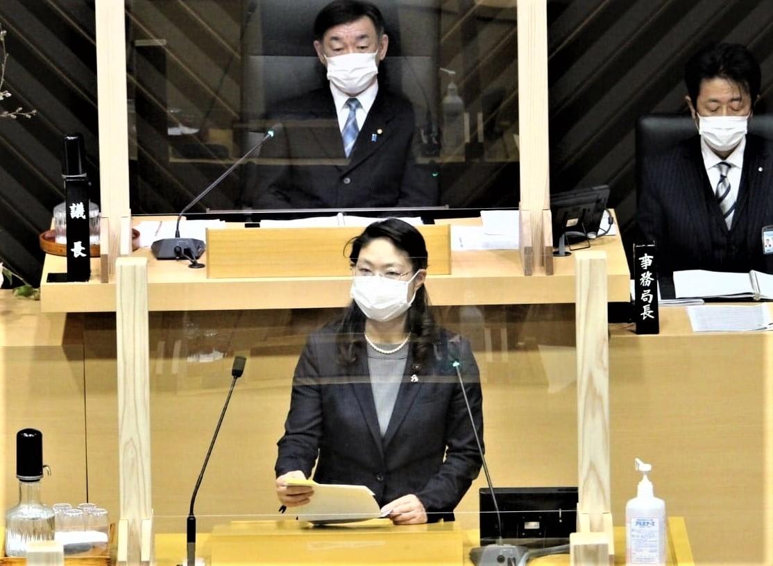 女生徒の不快感を訴えた議会質問、全文削除に(松山市議会)_c0166264_09230314.jpg