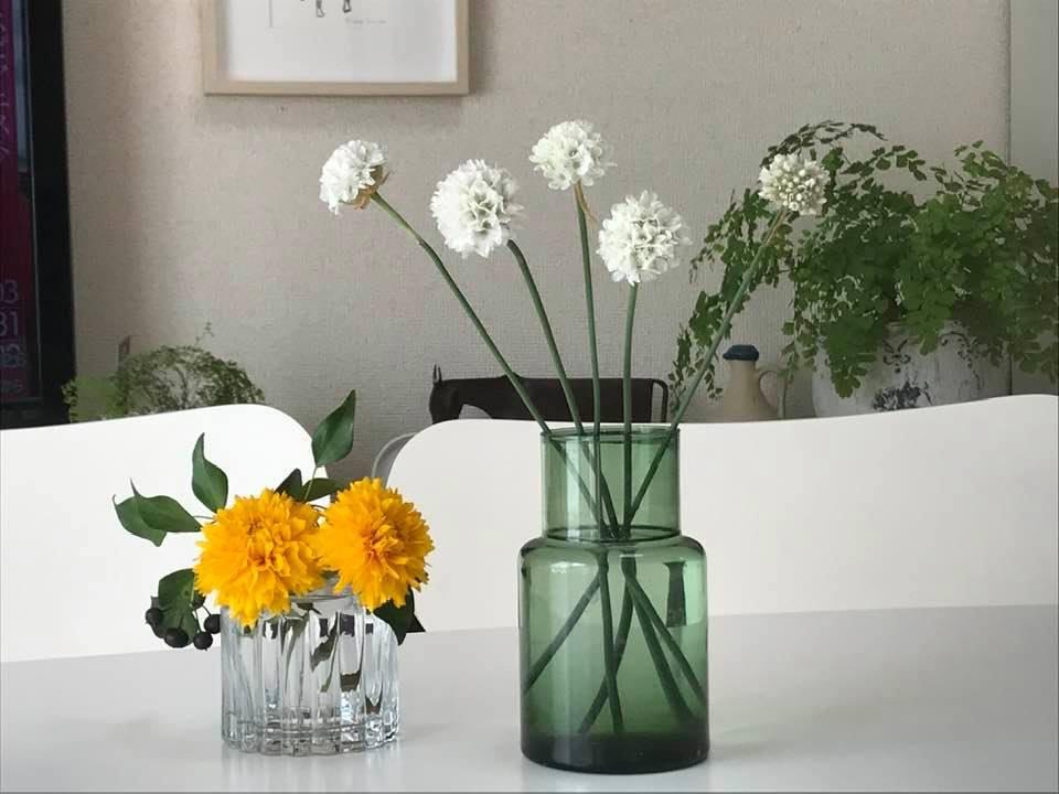 ベランダの花を飾ってみました。_c0186612_11274170.jpg