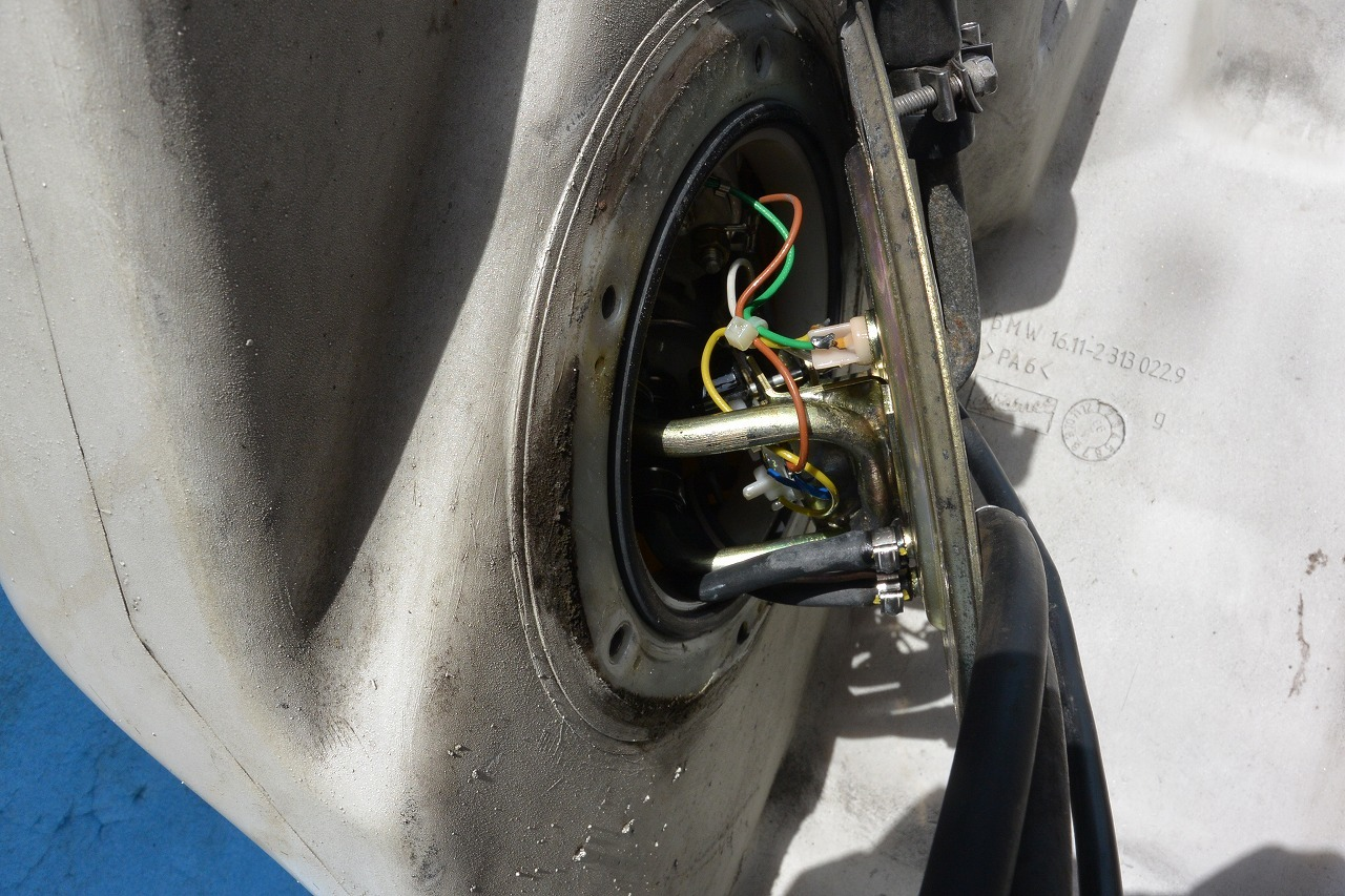 BMW R1100RSホールセンサー修理 そして・・・・・・・_a0330739_12520233.jpg