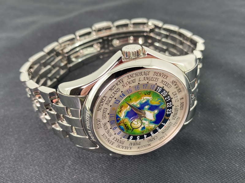 A rare heavy watch in platinum ref.5131P with cloisonné dial_c0128818_19215903.jpg