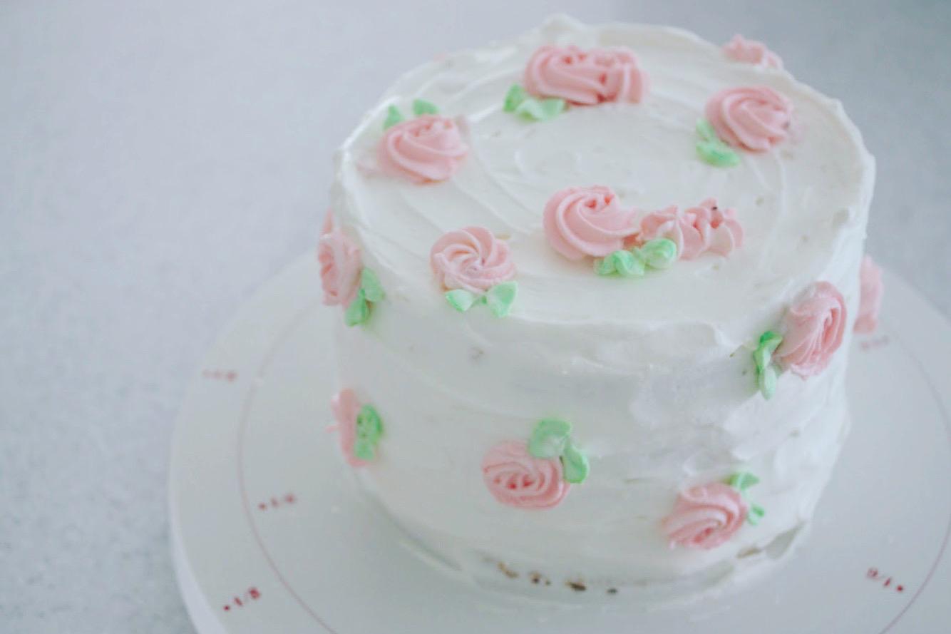 お花のバースデーケーキ 。 _d0339705_22211706.jpg