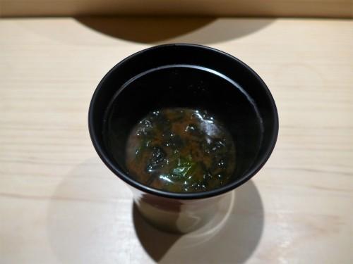 渋谷「熟成鮨 万」へ行く。_f0232060_00371621.jpg