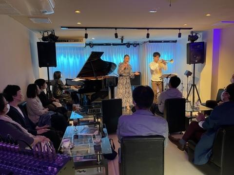 Jazzlive Cominジャズライブカミン 広島 本日4月6日火曜日のジャズライブ_b0115606_12454214.jpeg