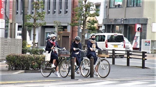 藤田八束の鉄道写真@愛媛県松山市JR四国の楽しい列車たち、松山市はかっはがあって歴史もあって面白い、そして素敵な歴史が探訪できる、食べ物がおいしい素敵な街_d0181492_18331840.jpg
