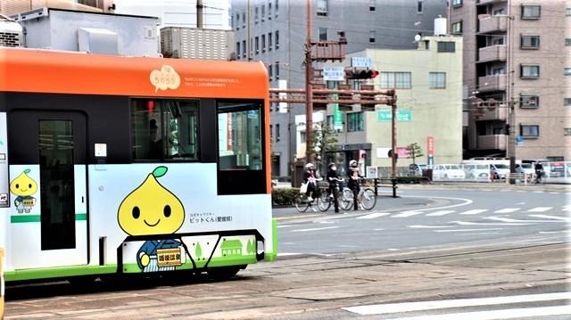 藤田八束の鉄道写真@愛媛県松山市JR四国の楽しい列車たち、松山市はかっはがあって歴史もあって面白い、そして素敵な歴史が探訪できる、食べ物がおいしい素敵な街_d0181492_18332733.jpg