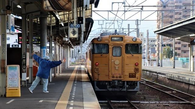 藤田八束の鉄道写真@愛媛県松山市JR四国の楽しい列車たち、松山市はかっはがあって歴史もあって面白い、そして素敵な歴史が探訪できる、食べ物がおいしい素敵な街_d0181492_18352231.jpg
