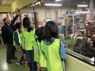 【zippykids荒川】4月5日 鉛筆工場見学_f0225094_20190275.jpg