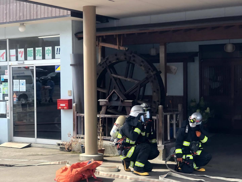 避難訓練と消防訓練_d0182179_16372614.jpg
