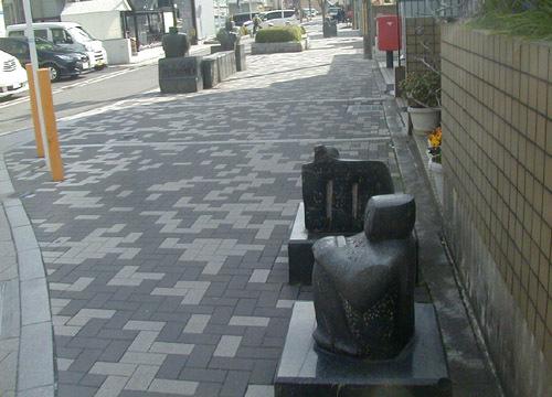 ●吉本豊の野外彫刻、その7_d0053294_14060574.jpg