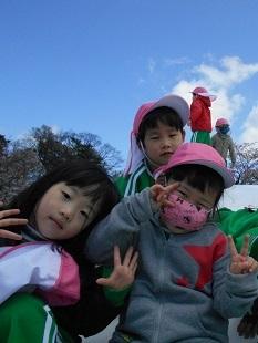 ゆり・すみれ組 お花見に行きました♪_c0212598_16143304.jpg