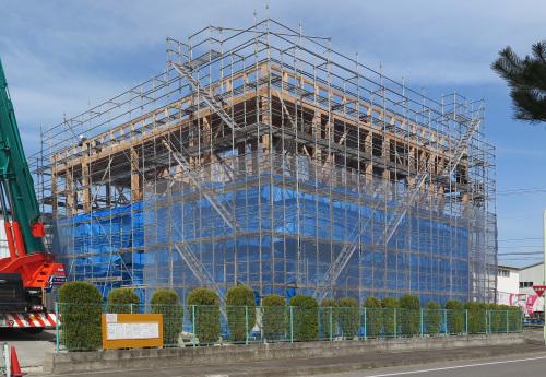 東北住建高性能木造3階:3階屋根トラス_e0054299_15294651.jpg