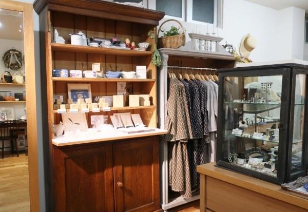 新しいアンフォルメ店明日オープンになります。_c0227633_20250164.jpg