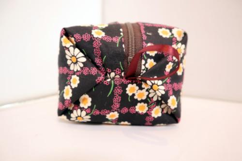 裁縫 ~ キャラメルポーチ ~_e0222340_16060840.jpg