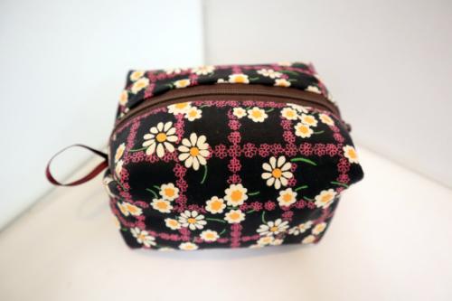 裁縫 ~ キャラメルポーチ ~_e0222340_16061251.jpg