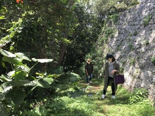 Walk around in Yomitan with my dear friend._c0153966_15175297.jpeg
