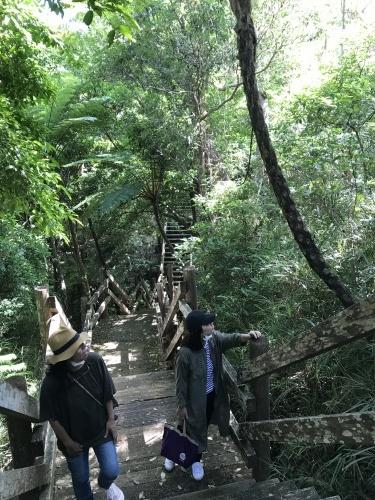 Walk around in Yomitan with my dear friend._c0153966_16281953.jpeg