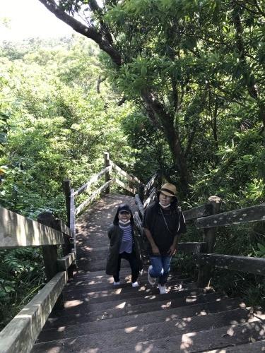 Walk around in Yomitan with my dear friend._c0153966_16323350.jpeg