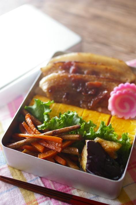 今日のお弁当(豚の照り焼き 梅風味)_d0327373_10281037.jpg