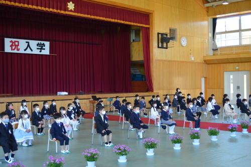 小学校入学式_d0101562_16121998.jpg