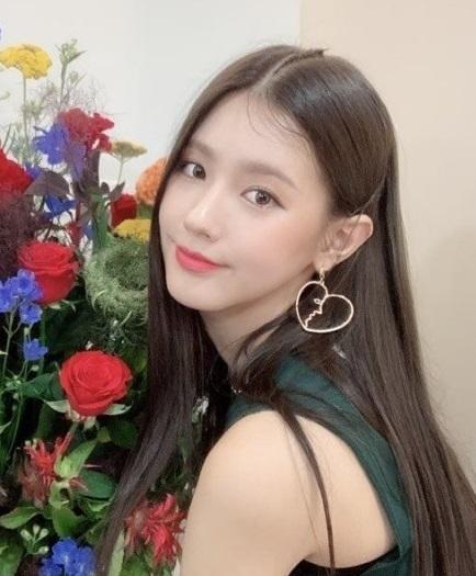 実力派歌手で女優のチョ・ミヨン (G)I-DLEの美人ボーカル 美ロングヘアー!衝撃の過去写真 音楽の才能!_f0158064_02195208.jpg
