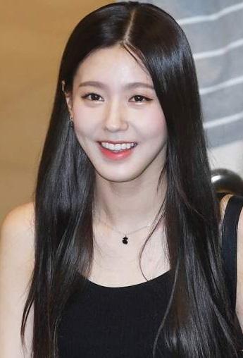 実力派歌手で女優のチョ・ミヨン (G)I-DLEの美人ボーカル 美ロングヘアー!衝撃の過去写真 音楽の才能!_f0158064_02195236.jpg