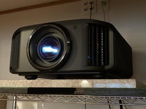 8K/e-shiftプロジェクター☆JVC DLA-V9R納品しました☆ _c0113001_21562573.jpg