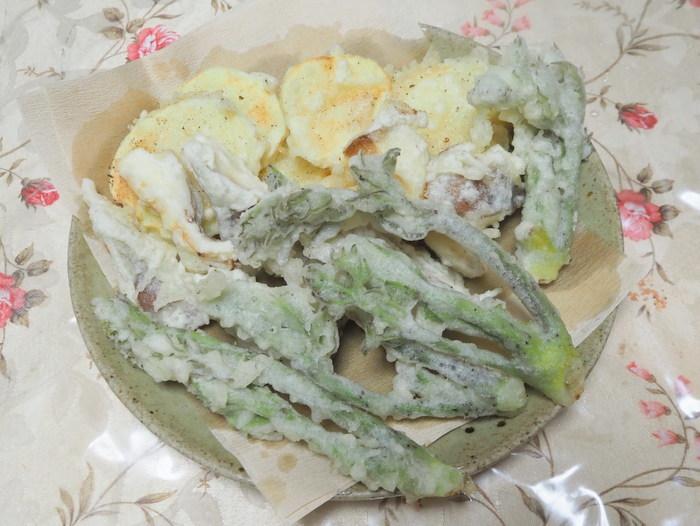 タラの芽などの天ぷら_c0116915_21230805.jpg